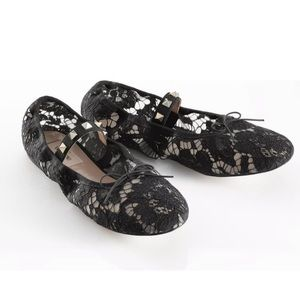 Valentino black lace mesh Rockstud ballet flat 38